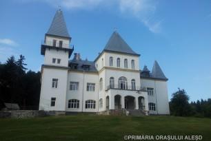 Castelul de la Poiana Florilor