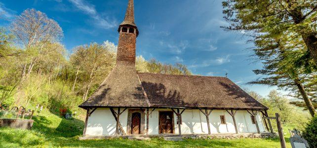 """Biserica de lemn """"Buna Vestire"""" din Pestis"""